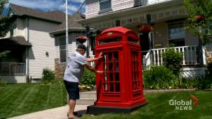 Calgary man creates popular British icon for his front lawn