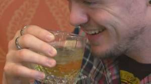 Experts worry about overconsumption on New Year's Eve despite Quebec COVID-19 restrictions (01:18)