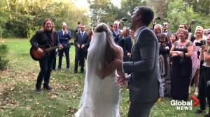 Alan Doyle surprises couple who invited him to play their wedding