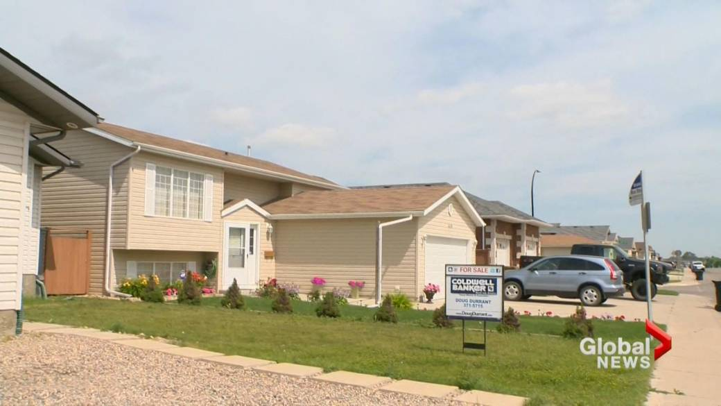 In-person open houses once again an option for home buyers in Saskatchewan  | Globalnews.ca