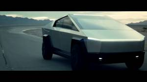 Tesla unveils its futuristic 'Cybertruck' (01:22)