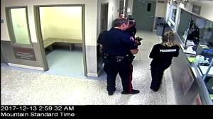 Raw video shows altercation between Calgary officer and woman under arrest (06:04)