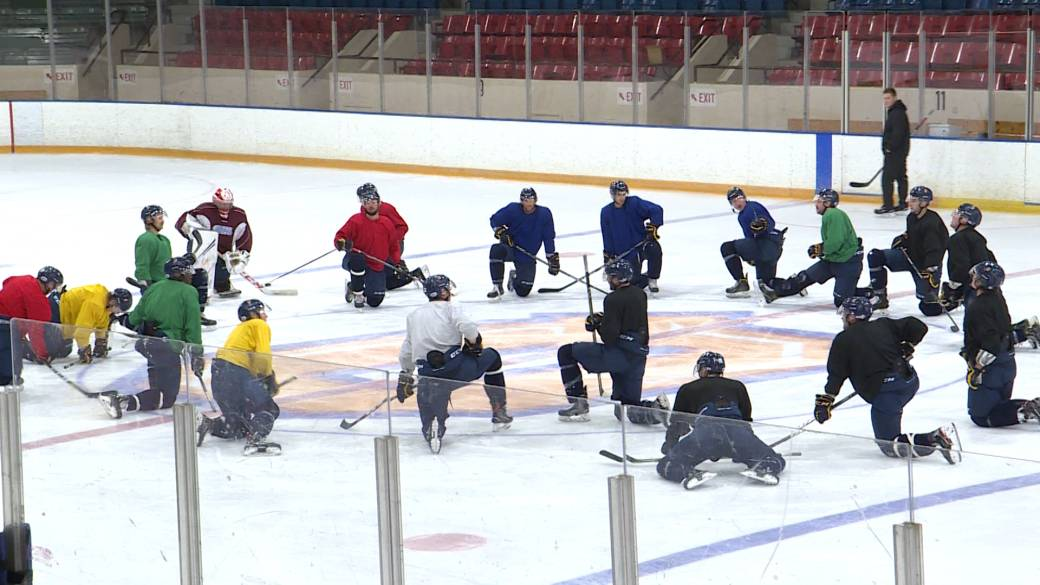 Queen's hockey Gaels look to turn their season around after slow start