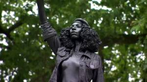 Statue of BLM protester replaces previous statue of slave trader in Bristol