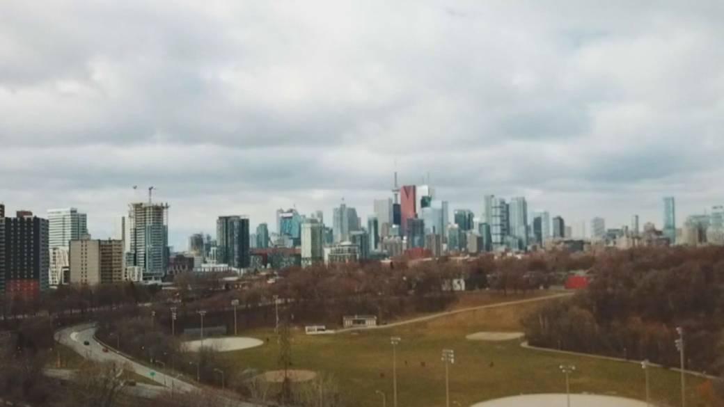 'Ontario and Quebec impose COVID-19 shutdowns'