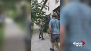 Video shows man threatening to stab Vancouver city councillor in Strathcona confrontation (00:39)