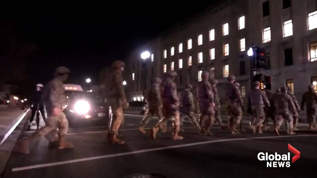 Click to play video 'U.S. Capitol riot: Thousands of National Guard troops lining streets in D.C. in lead-up to Biden inauguration'
