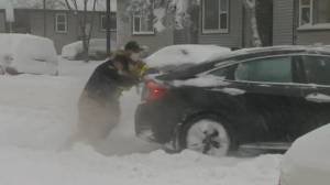 Snowstorm slams southern Alberta, causing chaos on roads (02:16)