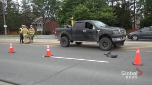 Pedestrian struck on Chemong Road in Peterborough (00:32)