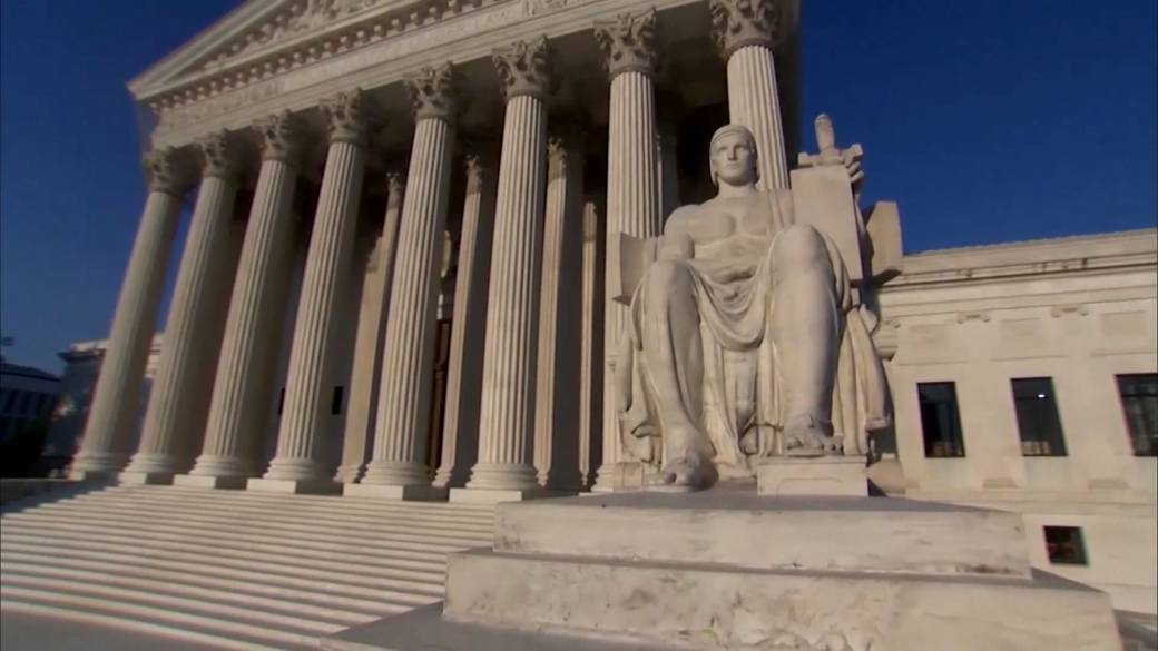 Click to play video: 'U.S. Supreme Court strikes down Louisiana abortion clinic restrictions'
