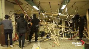 Hong Kong protesters building campus into fortress (03:19)