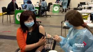 Montrealers over 55 line up for AstraZeneca's COVID-19 vaccine (01:59)