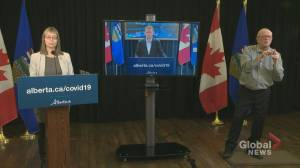 Alberta launches online portal to allow automated texting of COVID-19 close contacts (01:00)