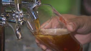 B.C. government makes wholesale liquor pricing access permanent for bars and restaurants (01:49)