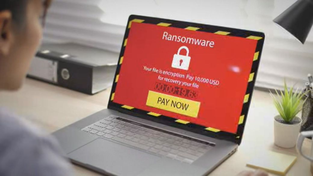 Click to play video: 'Top cybersecurity agency warns of major Microsoft hack'