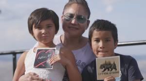 Lytton fire survivors share heartbreaking stories as school community fundraises (02:19)