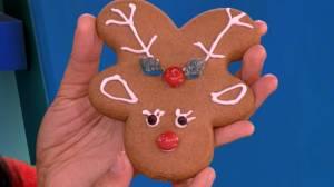 Holiday DIY: Gingerbread reindeer cookies (04:22)