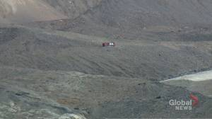 3 dead after sightseeing bus rolls at Columbia Icefields near Jasper