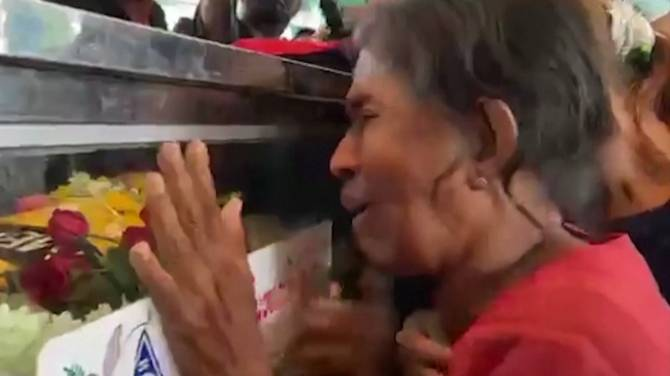 Click to play video: Myanmar protests: Mother of military crackdown victim mourns loss of son during funeral