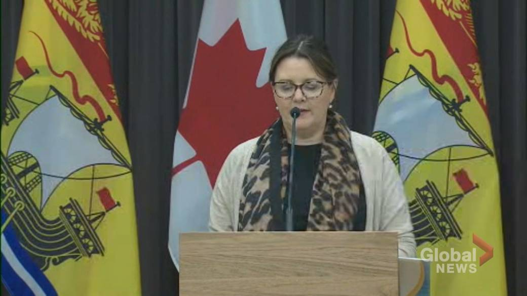 Click to play video 'Coronavirus: New Brunswick mandates masks, imposes new restrictions in zones 1 and 5 amid outbreaks'