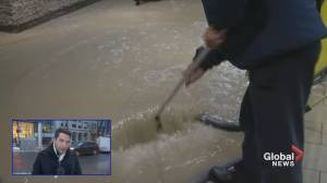 Square Victoria cleanup (01:23)