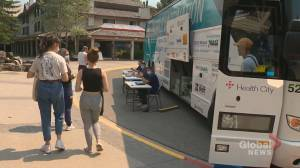 COVID-19: Alberta's 1st mobile vaccination clinic rolls into Kananaskis Country (01:47)
