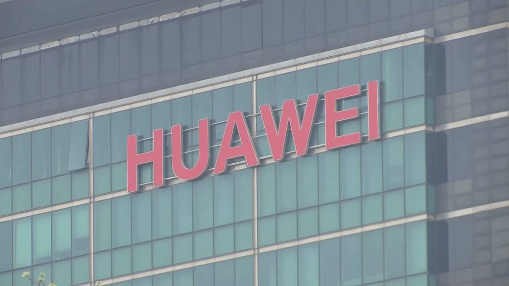 Innovation minister mum on whether Canada will mirror U.K. with partial Huawei 5G ban