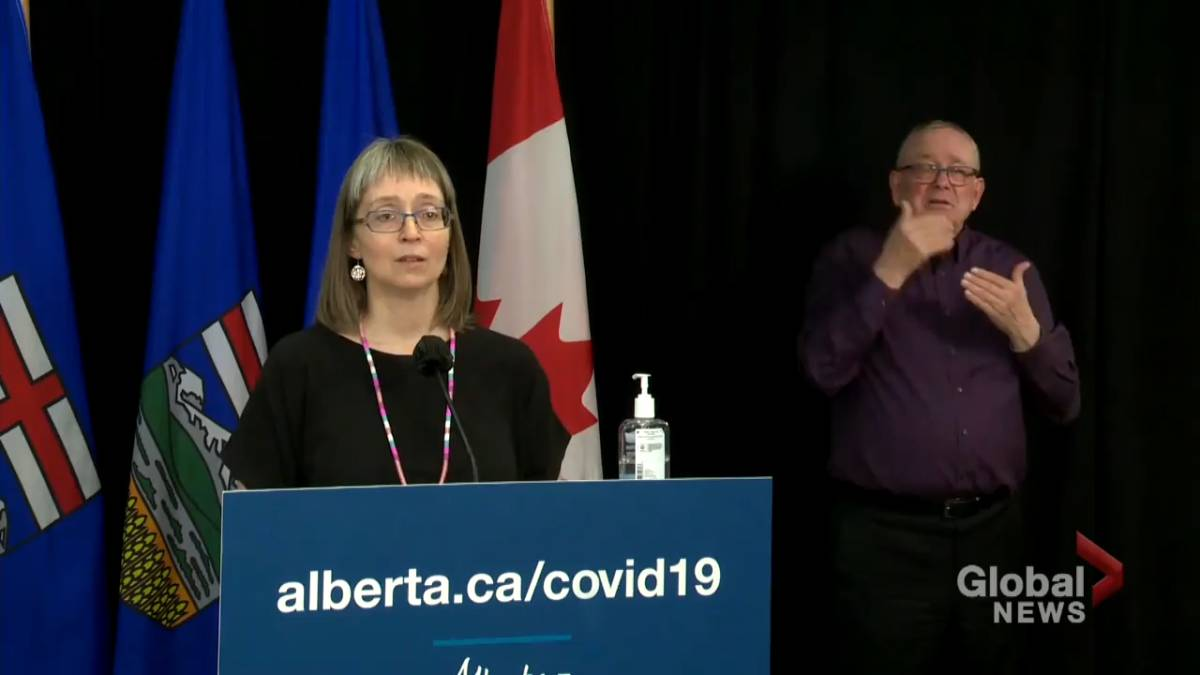 Click to play video: 'Hinshaw does not rule out increased COVID-19 restrictions in Alberta'
