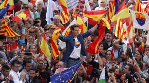 Catalan protests: Thousands march in Barcelona calling for separatist leaders to be freed