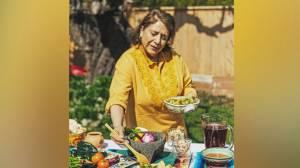 Dream Cuisines program helps empower female refugees (02:02)