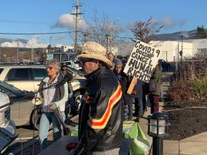Anti-mask protesters gathered outside of Salmon Arm's city hall (01:48)