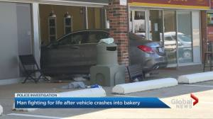 Man in life-threatening condition after car crashes into Mississauga pastry shop (01:41)