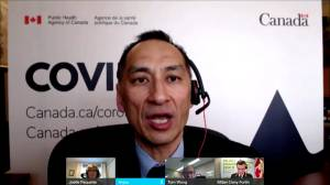 COVID-19: Federal health officials respond to news Manitoba teachers to be vaccinated in North Dakota (01:37)