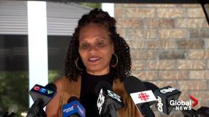 """Andre De Grasse's mom """"super proud"""" as Canadian sprinter wins Olympic Gold in 200-metre (01:46)"""