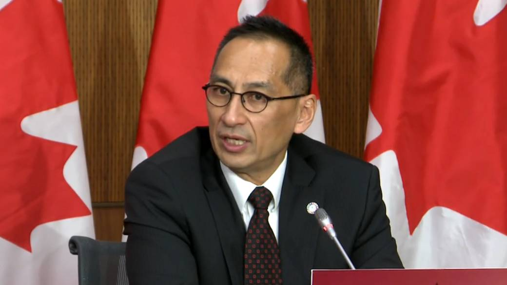Click to play video 'Coronavirus: Dr. Njoo responds to Trudeau's statement that majority of Canadians could be vaccinated by next September'