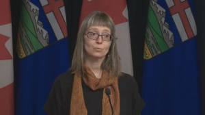 Coronavirus: Alberta asks all travellers returning from Italy to self-isolate for 14 days (01:32)