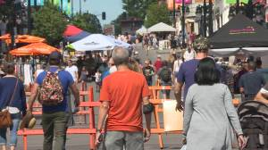 Shoppers flock to downtown Kingston for holiday weekend (01:52)