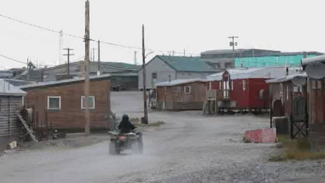 Click to play video: 'Nunavut lockdown underway to curb recent COVID-19 outbreaks'