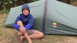 British 10-year-old camps out for a good cause (02:14)