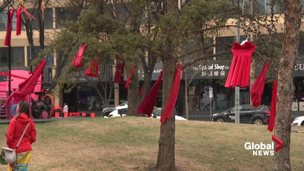 Click to play video: 'Red Dress Day in Edmonton honours Canada's missing and murdered Indigenous people'