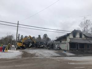 Fire destroys only grocery store in the Village of Apsley (02:15)