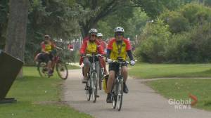 Senior cyclists keep on riding through heat, pandemic: 'It gives me a high' (01:47)
