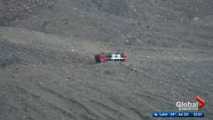 Investigation into deadly sightseeing bus rollover at Columbia Icefields near Jasper (01:46)