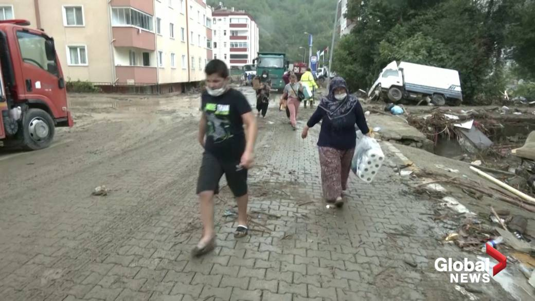 Click to play video: 'Turkey floods: Distressed victims recount their ordeal'