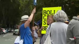 Protesters gather outside UK Parliament following Boris Johnson's decision (01:10)