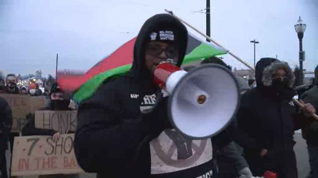 Click to play video: 'Jacob Blake's family marches in Kenosha, Wis. Demanding justice following DA decision'