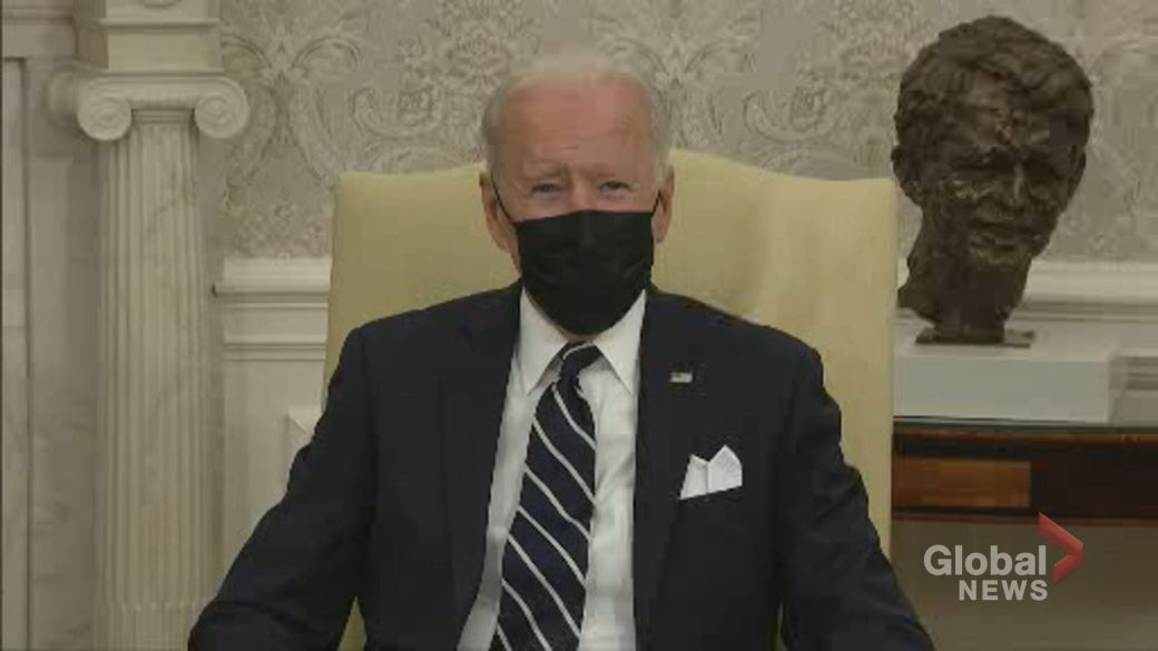 """Click to play video: 'Afghanistan crisis: Biden says U.S. will """"complete the mission"""" in Afghanistan in wake of Kabul attack'"""