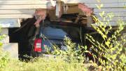 Play video: Occupants of vehicle flee after crashing Jeep into Kingston home