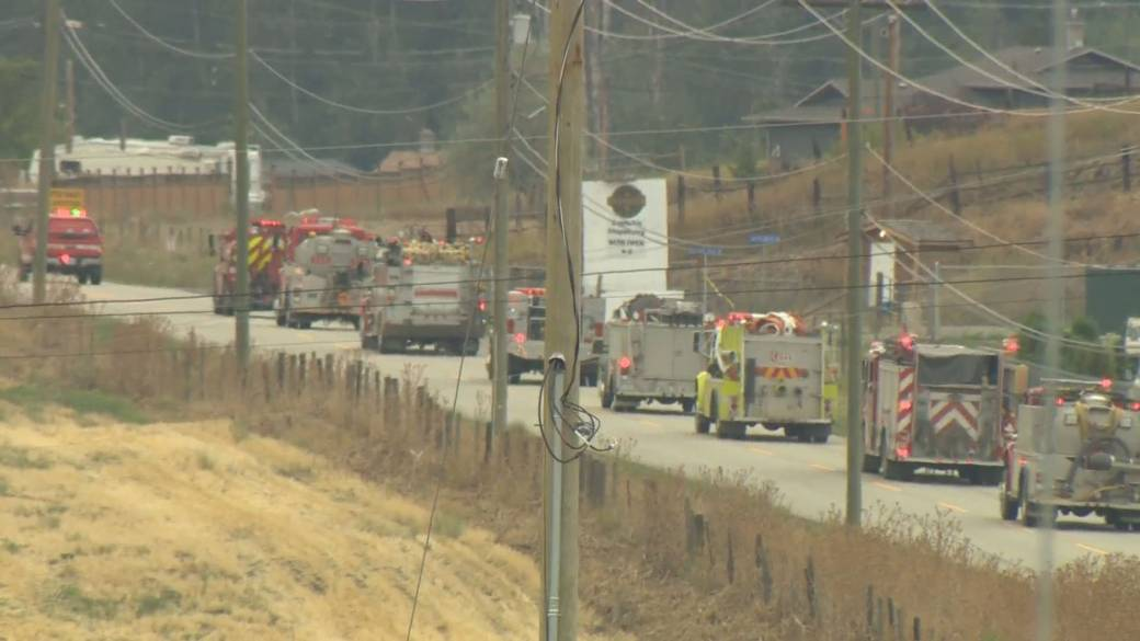 Click to play video: 'Growing questions about government management of B.C. wildfire battle'
