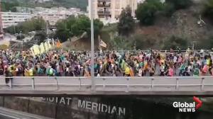 Barcelona roads full with around 500,000 pro-Catalan protesters